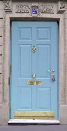 Преимущества деревянной входной двери