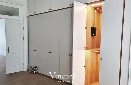 Современное решение в дизайне гардеробных: пример нашего проекта